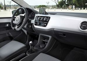 Volkswagen Up! 13