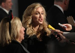 20120414-news-madonna-truth-or-dare-macys-new-york-event-10.jpg