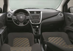14_Celerio_interior_yellow.jpg