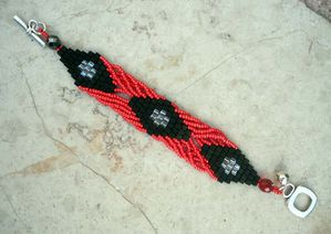 BRACELET-TWISTED-ROUGE-NOIR.jpg