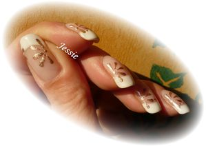 blog.french-NailArt-paquerette-or2.jpg