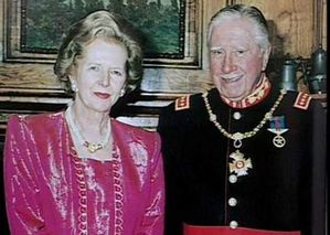 Thatcher_Pinochet-copie-1.jpg