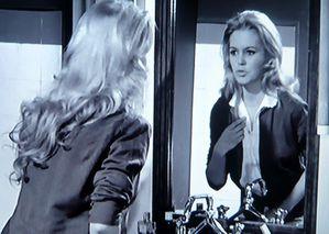 BB in the mirror...  Bardot-miroir