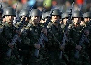 Chilian_soldiers_Chile_Army_parade_19102007_news_001.jpg