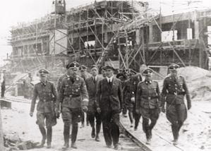 Reichsfuehrer-SS-Heinrich-Himmler-tours-the-Monowitz-Buna-b.jpg