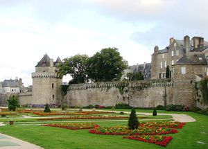 Vannes_Remparts-source-Wikipedia.jpg