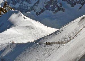 Vallée Blanche descent à pieds 2010 025