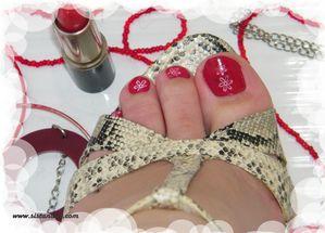 Nail art simple sur pied le blog de sistanails - Pied vernis rouge ...