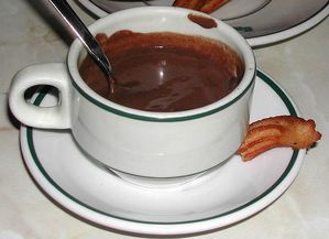 800px-Chocolate-con-churros.jpg