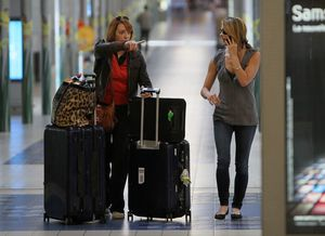 ashley arriving at CDG airport france 3