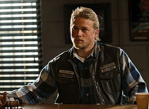 sons-of-anarchy-charlie-hunnam.jpg