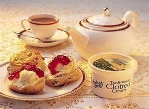 Clotted-cream-with-scones.jpg