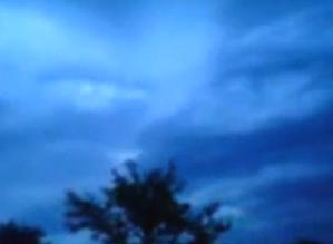 Visage-dans-le-ciel-de-la-Russie.PNG