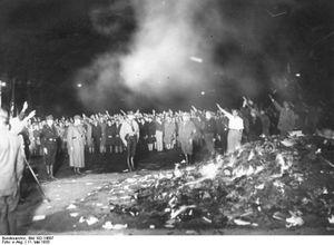 10mai1933-Autodafé par les Nazi(e)s