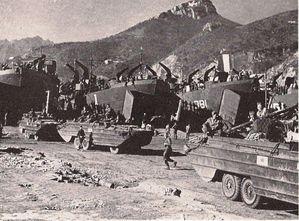 1943-Alleati-sbarco-Salerno.jpg