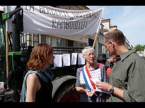 rambouillet-BN_petition-7-mai_2011-05.JPG