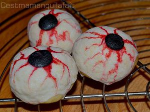 yeux en biscuit pour halloween tutoriel et recette (7)