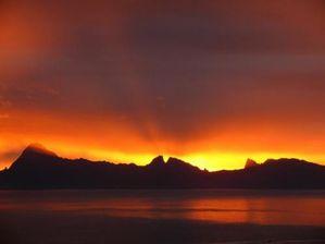 eau-coucherlever-soleil-mer-couchee-724735.jpg