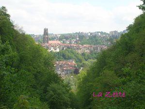 Fribourg au mois de mai, depuis le boulevard de Pérolles