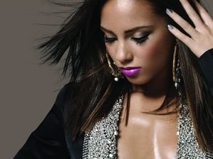 alicia-keys-deja-plus-de-dix-ans-de-carriere-article-BlogOu.jpg