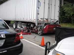 corvette-wrecked-super-car-crash.jpg