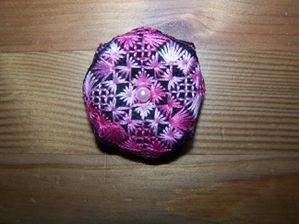 biscornus-rose-et-noir-001.jpg