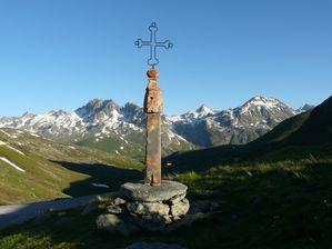 chaines-saint-jean-de-maurienne-france-1014854632-1221267