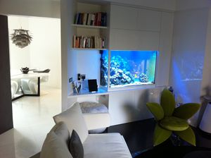 a monaco un aquarium marin design aquatic concept. Black Bedroom Furniture Sets. Home Design Ideas