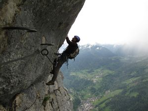Via ferrata (Roche veyrand) 10