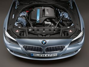 bmw-activehybrid-5-2011-02-10555470zeeek.jpg