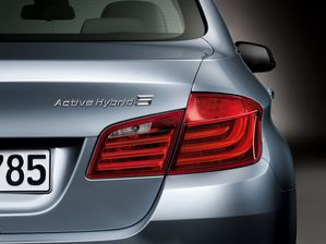 bmw-activehybrid-5-2011-06-10555474yfvpv.jpg