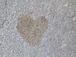 Les coeurs se dessinent au gré du chemin