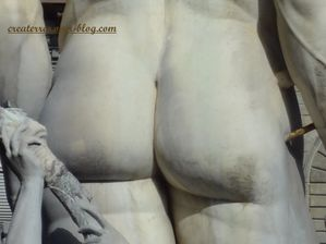 Florence-gros-plan-statue-place.jpg