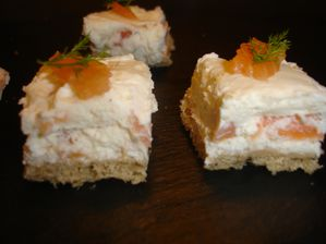 TOASTS MASCARPONE AU SAUMON FUME ET ANETH