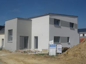 Couleur enduit maison cantillana blanc gris monaco with for Couleur enduit facade maison moderne