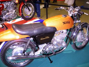 Salon-MotoLegende-2010 7436