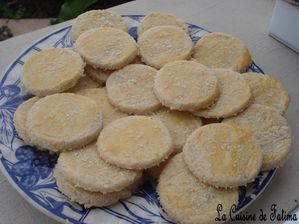 http://img.over-blog.com/300x224/3/31/13/93/Muffins--biscuits--madeleines/DSC07768.JPG