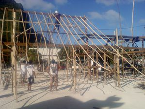 002construction du village Heiva