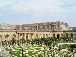 Architecture louis xiv et l 39 art for Architecte jardin versailles
