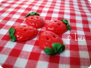 Scrap Inès Boutons fimo fraises strawberry polyme-copie-1