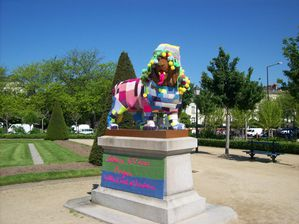 Lion yarn bombing gauche Angers Artaq