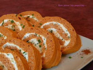 Roule-tomates-fromage-ail-et-fines-herbes.jpg