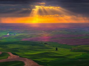 sunrise-glory-rays