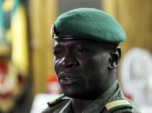 le-capitaine-Sanogo-le-7-avril-2012---photo-Joe-Pe-copie-1.JPG
