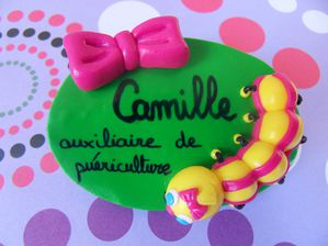 Badge fimo chenille et gros noeud rose CAMILLE