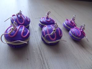 BO fimo macarons violet vanille trois tailles