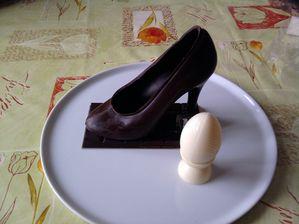 Oeuf-de-Paques-Chaussures-La-Mascotte.jpg