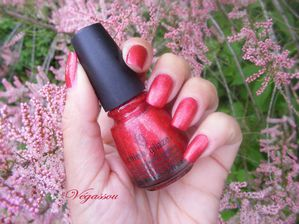 China-glaze-ring-in-the-red--3-.JPG