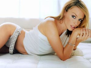 wallpaper-kylie_minogue-5657.jpg