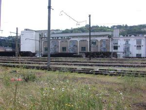http://img.over-blog.com/300x225/0/12/68/34/paysages-lyon/73-gare-triage-vue-w-silos-.jpg